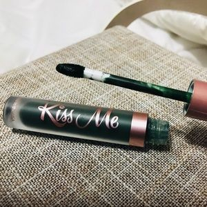 Other - KISS ME LIVEGLAM LIPPIE LIPSTICK IN LIPRECHAUN